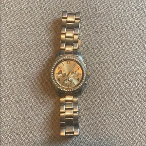 Nice Faux Gold Watch with Details around Face